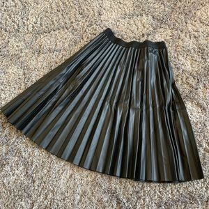 Studio M Faux Leather Pleated Knee Length Skirt